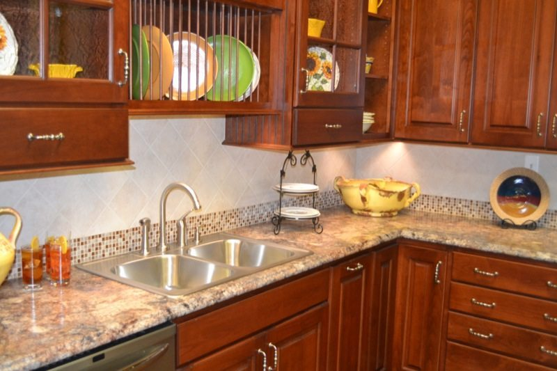 Standard kitchen bath standard kitchen bath showroom for Kitchen design knoxville