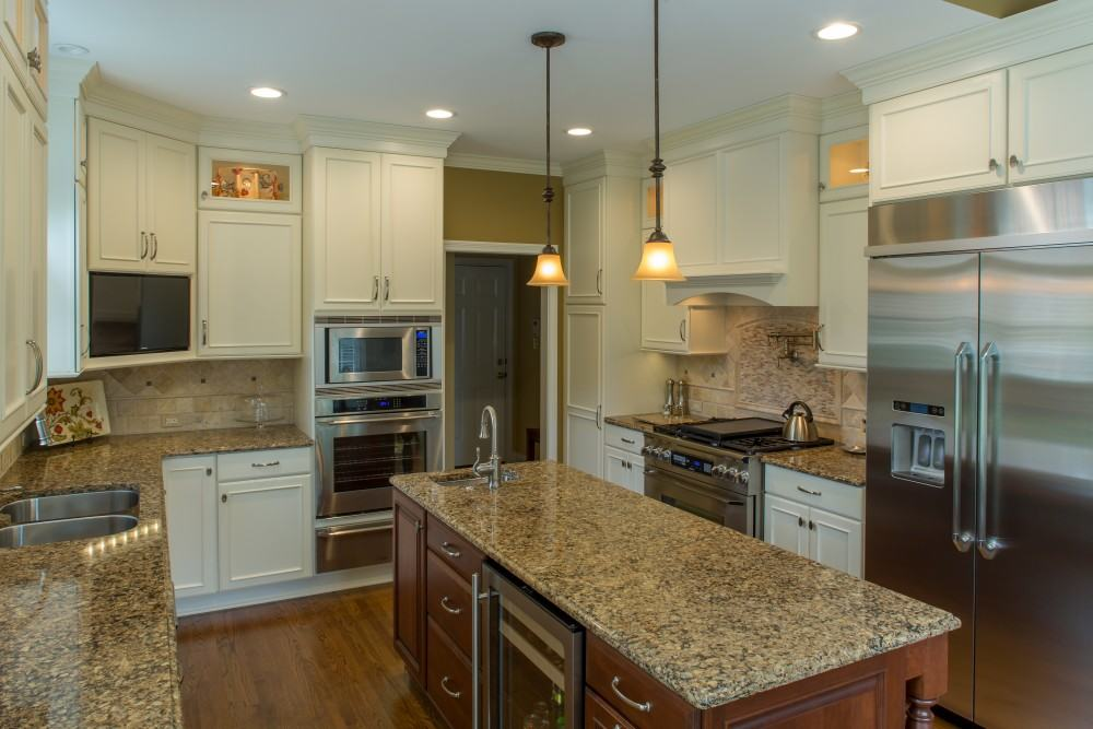 Showplace kitchen in painted soft cream standard kitchen for Bath remodel knoxville tn
