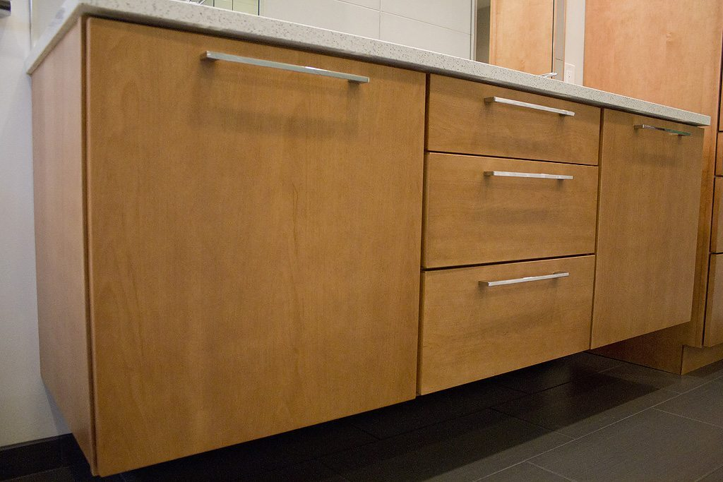 Bath remodeling standard kitchen bath knoxville tn for Bathroom cabinets knoxville tn