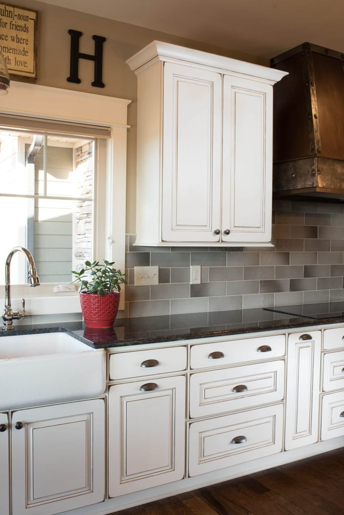 Kitchen cabinets standard kitchen bath knoxville for Bath remodel knoxville
