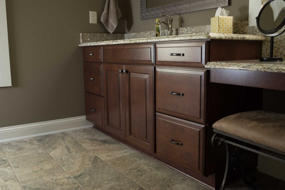 Standard kitchen bath master bathroom in cherry for Bath remodel knoxville
